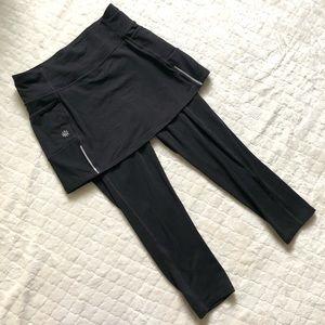 Athleta black skort Capri leggings/ XS